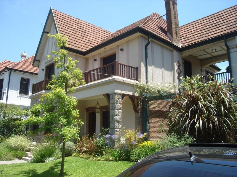 Foto Casa en Alquiler en  Banfield Oeste,  Banfield  LENADRO N.ALEM 1280  e. Grigera  y Larroque