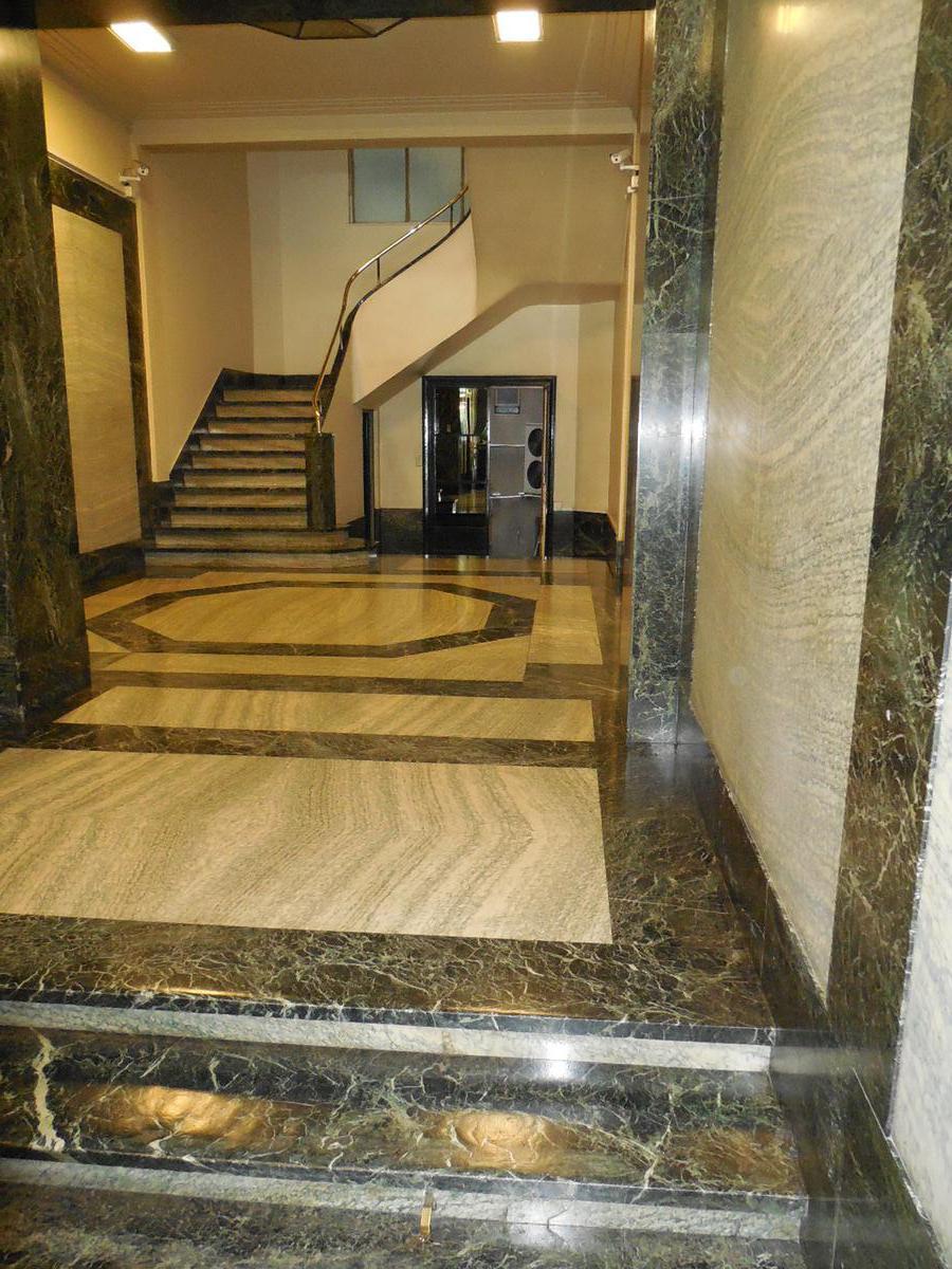 Foto Oficina en Venta | Alquiler en  Centro (Capital Federal) ,  Capital Federal  SARMIENTO al 900