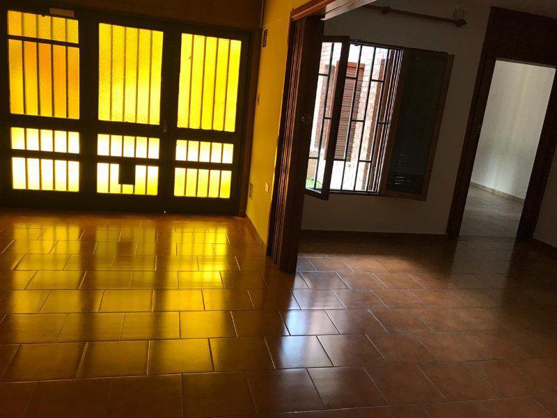 Foto Casa en Alquiler en  General Paz,  Cordoba  Dos Dormitorios - Garage y Patio con Asador - B° General Paz