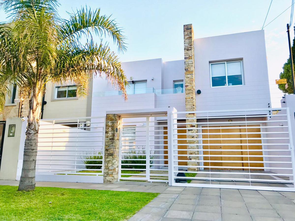 Foto Casa en Venta en  Ituzaingó Norte,  Ituzaingó  Venancio Flores al 600