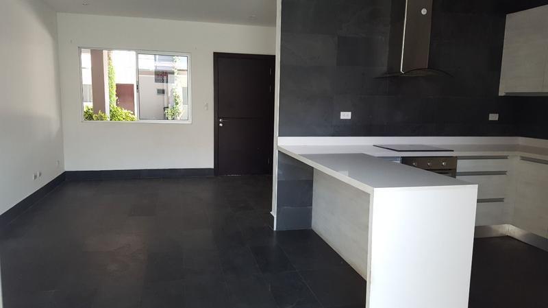 Foto Casa en condominio en Renta en  Pozos,  Santa Ana  Casa en Santa Ana Contemporánea y cómoda