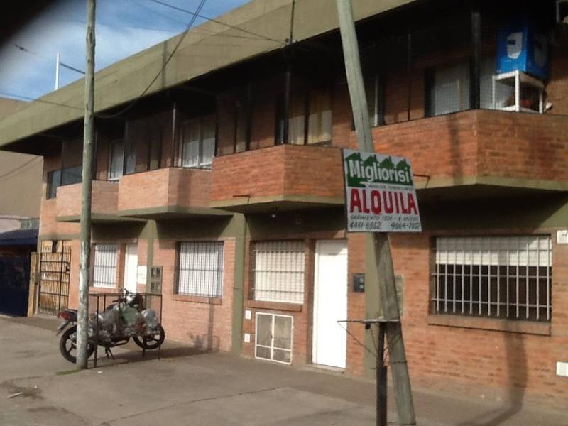 Foto Departamento en Alquiler en  Jose Clemente Paz ,  G.B.A. Zona Norte  gelly y obes  al 4400