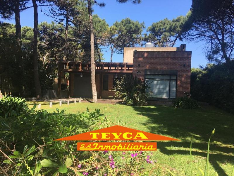 Foto Casa en Alquiler temporario en  Pinamar ,  Costa Atlantica  CUL DE SAC CEFIRO 3673