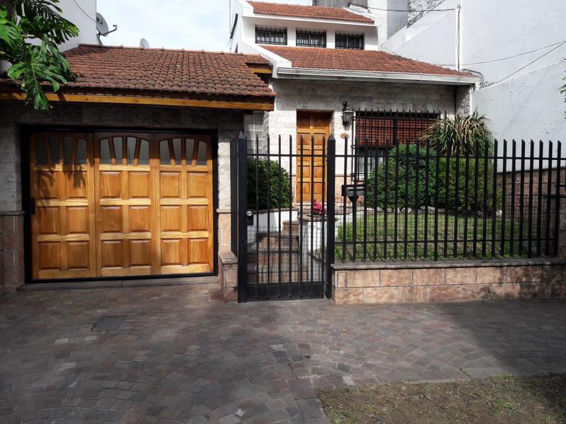 Foto Casa en Venta en  Banfield Oeste,  Banfield  URIARTE 290