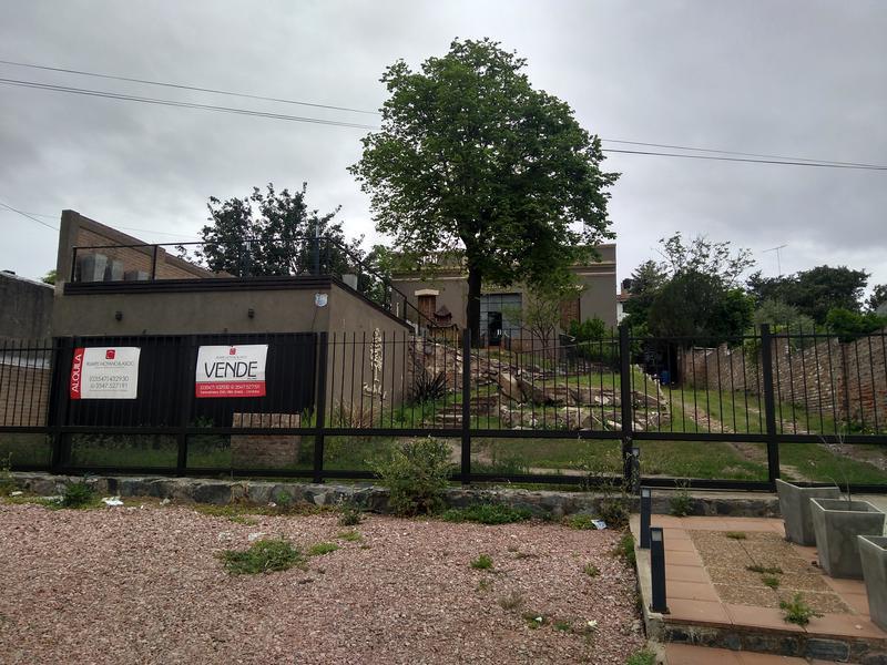 Foto Casa en Venta | Alquiler en  Alta Gracia,  Santa Maria  Pueblo Viejo - Casona apta Restaurate