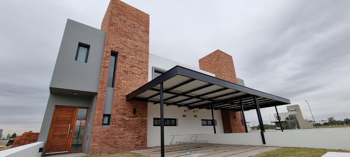Foto Casa en Venta en  San Ignacio Village,  Cordoba Capital  DUPEX LOTE 13 - MZ 89