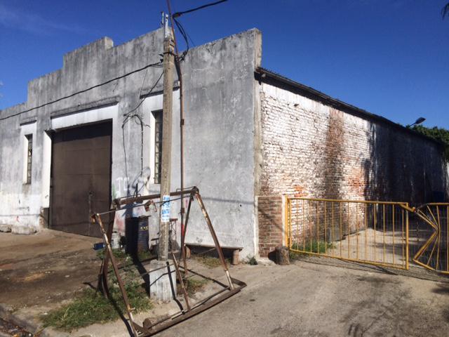 Foto Galpón en Venta en  Tarariras ,  Colonia  Galpon en el centro de Tarariras