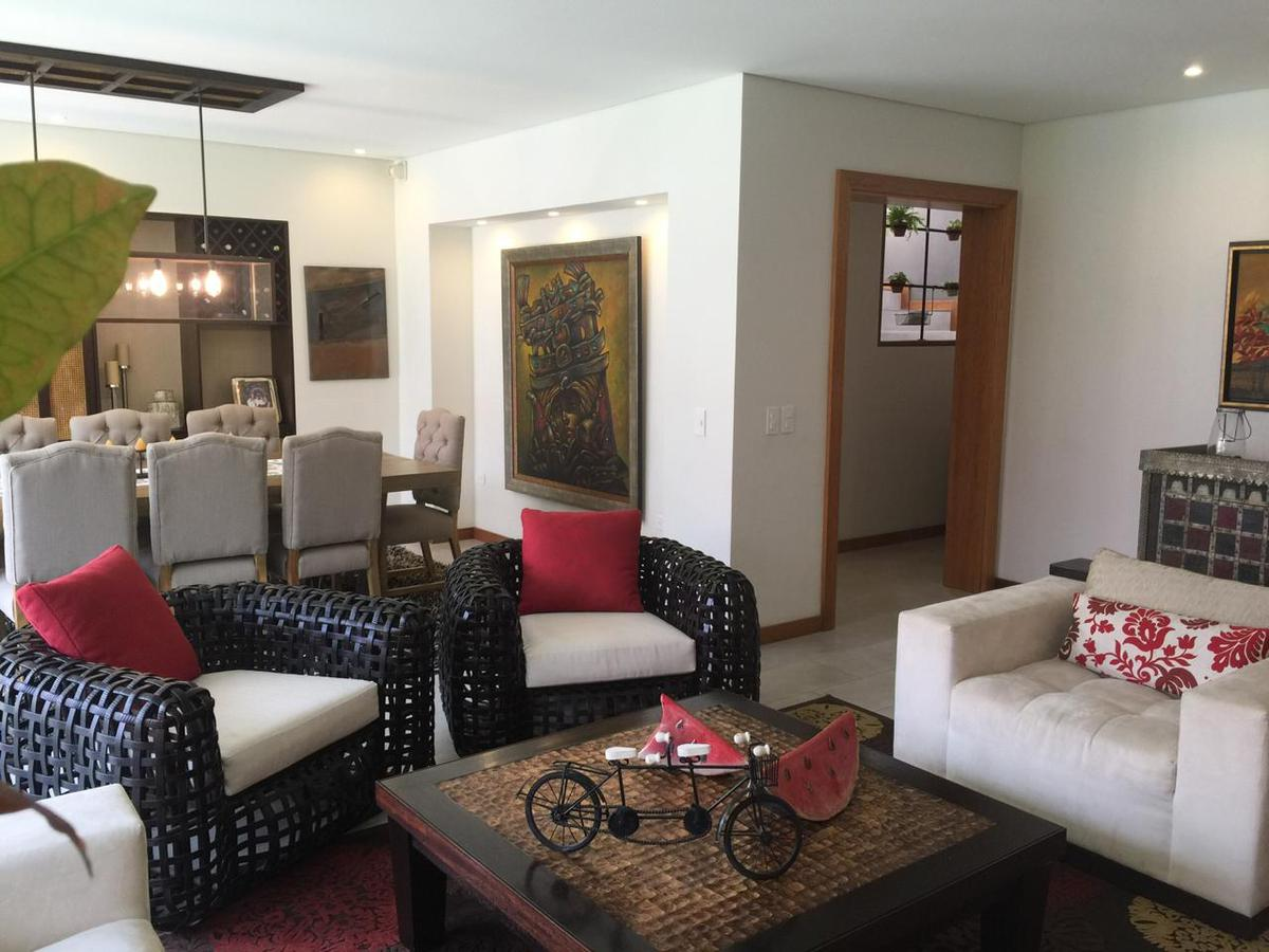 Foto Casa en Venta en  Cumbayá,  Quito  Pachosalas, Muy cerca a la Ruta Viva