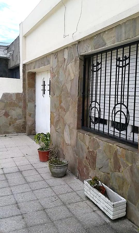 Foto Casa en Venta en  Tolosa,  La Plata  512 e/ 7 y 8