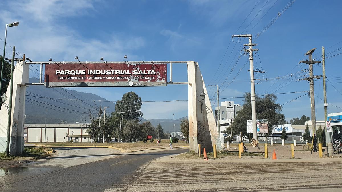 Foto Terreno en Venta |  en  Zona Este,  Salta  En Venta Terreno - Parque Industrial Salta Capital