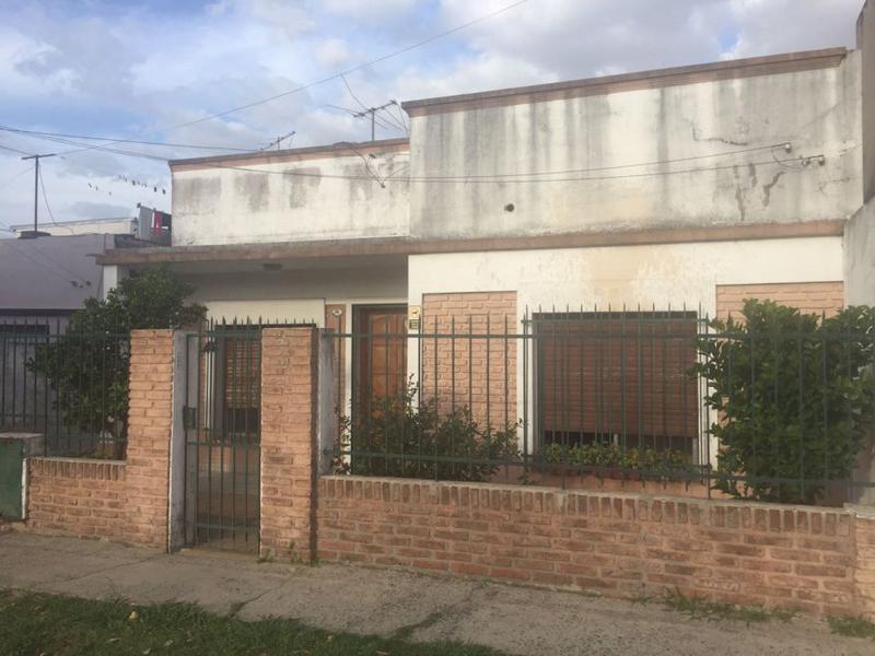 Foto Casa en Venta en  Llavallol,  Lomas De Zamora  Dardo Rocha 341