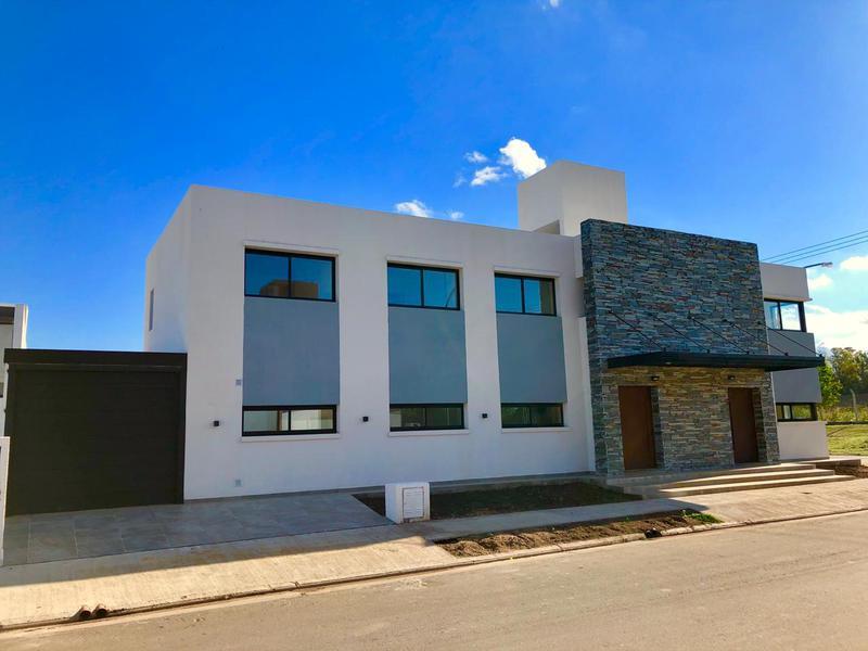 Foto PH en Venta en  Claros del Bosque,  Countries/B.Cerrado (Cordoba)  Claros del Bosque - Duplex a estrenar! 3 Dormitorios (baño en suite y vestidor)