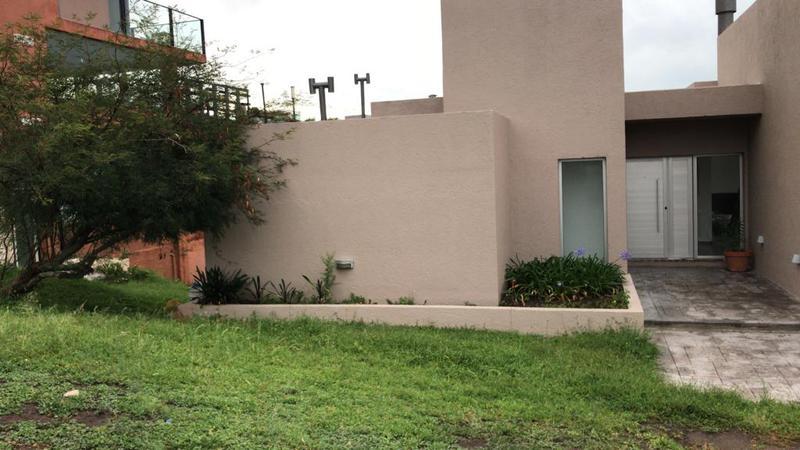 Foto Casa en Alquiler en  La Rufina,  Countries/B.Cerrado  La rufina Alquiler