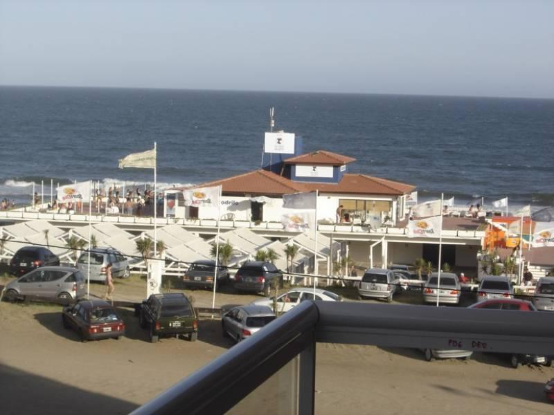 Foto Departamento en Alquiler temporario en  Pinamar ,  Costa Atlantica  Fragata 25 de mayo al 100