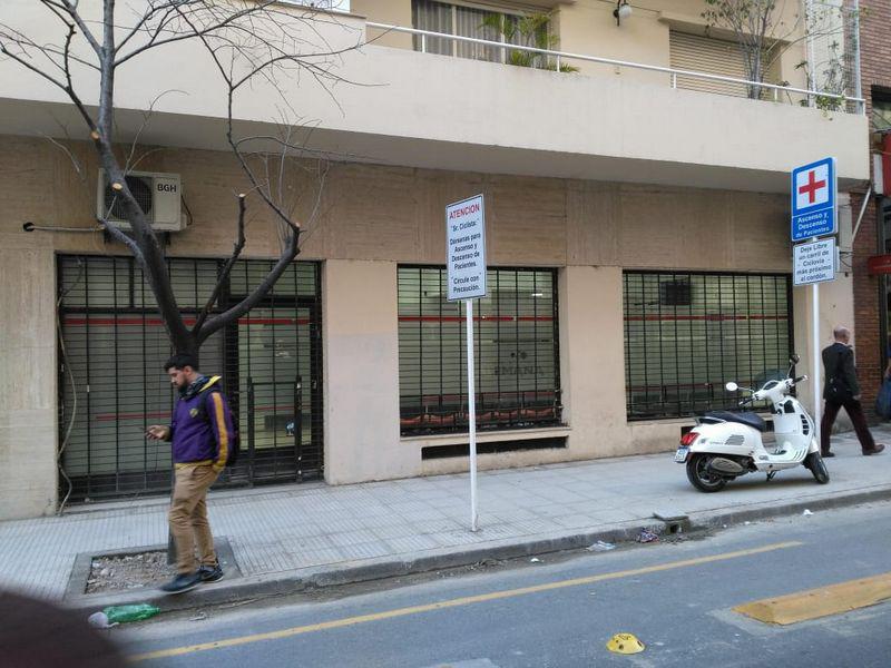 Foto Local en Alquiler en  Recoleta ,  Capital Federal  Montevideo al 800