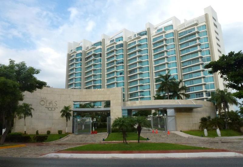 Foto Departamento en Venta en  Zona Hotelera,  Cancún  HERMOSO DEPARTAMENTO EN VENTA LAS OLAS CANCUN
