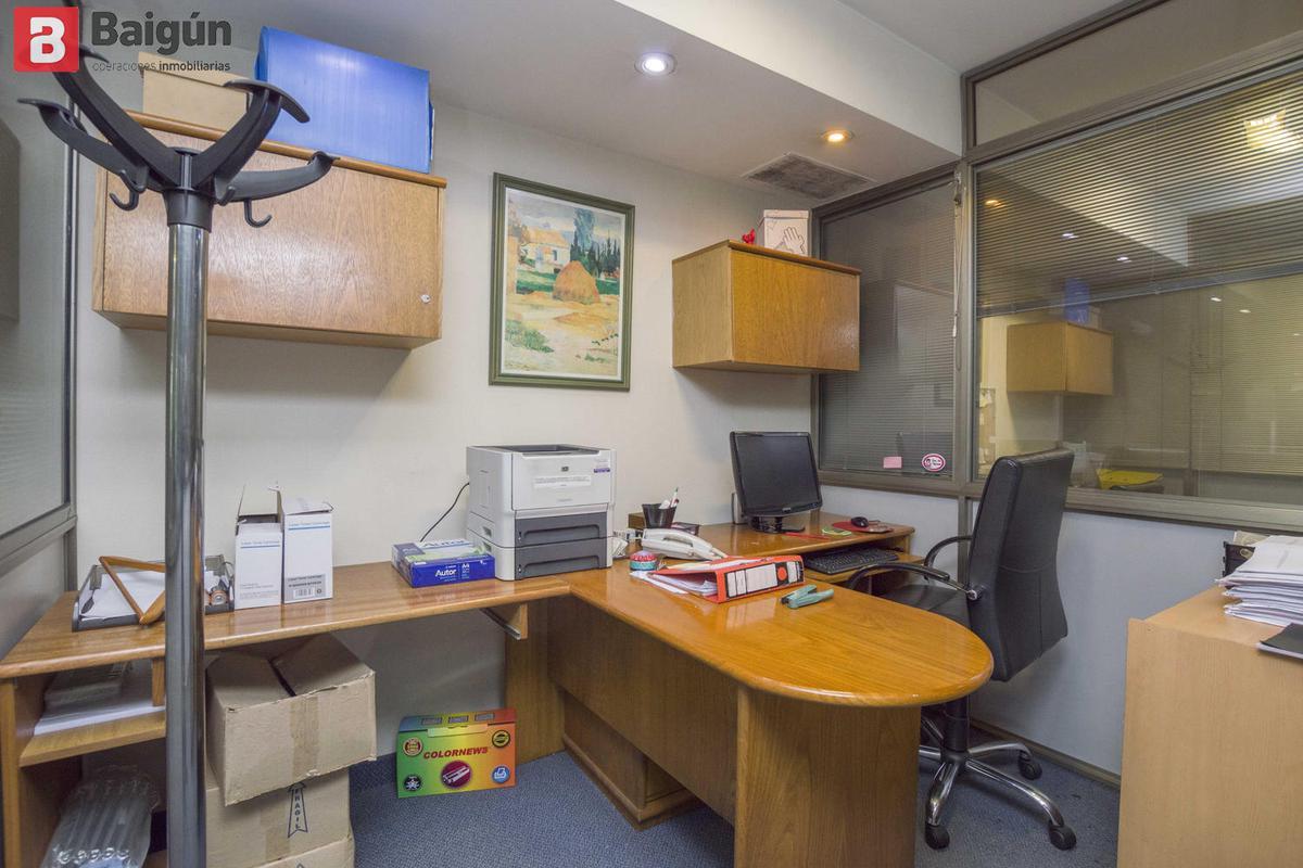 Foto Oficina en Venta en  Centro ,  Capital Federal  Carlos Pellegrini y Bme Mitre
