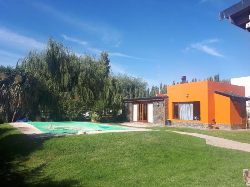 Foto Casa en Venta en  Plottier,  Confluencia  Casa, Rio Colorado 100