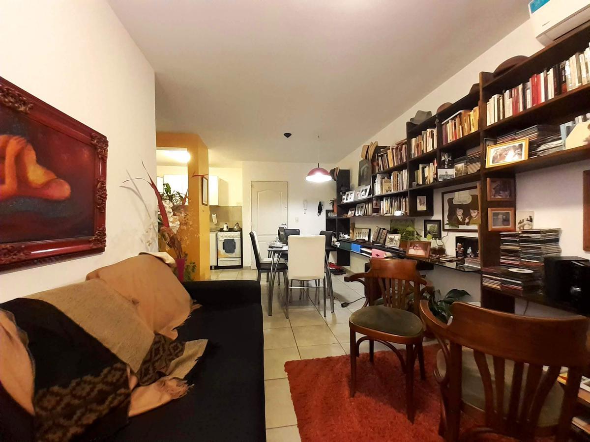 Foto Departamento en Venta en  Lisandro De La Torre,  Rosario  Velez Sarsfield al 800