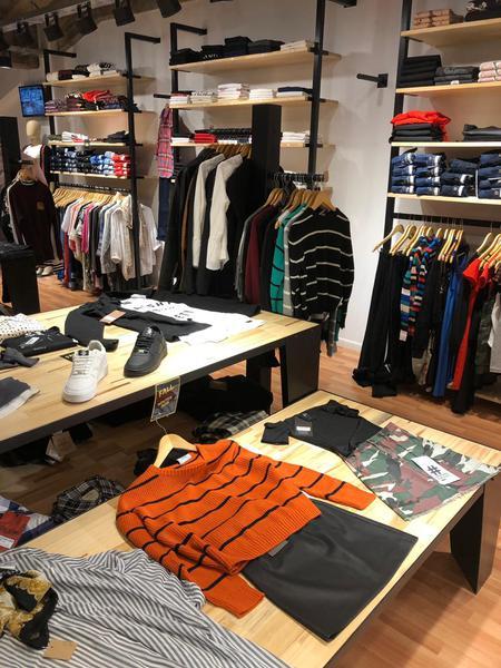 Foto Local en Venta en  Yerba Buena ,  Tucumán    Fondo de Comercio en Shopping del Solar