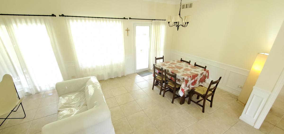 Foto Casa en Alquiler   Alquiler temporario en  La Lomada De Pilar,  Countries/B.Cerrado (Pilar)  La Lomada De Pilar