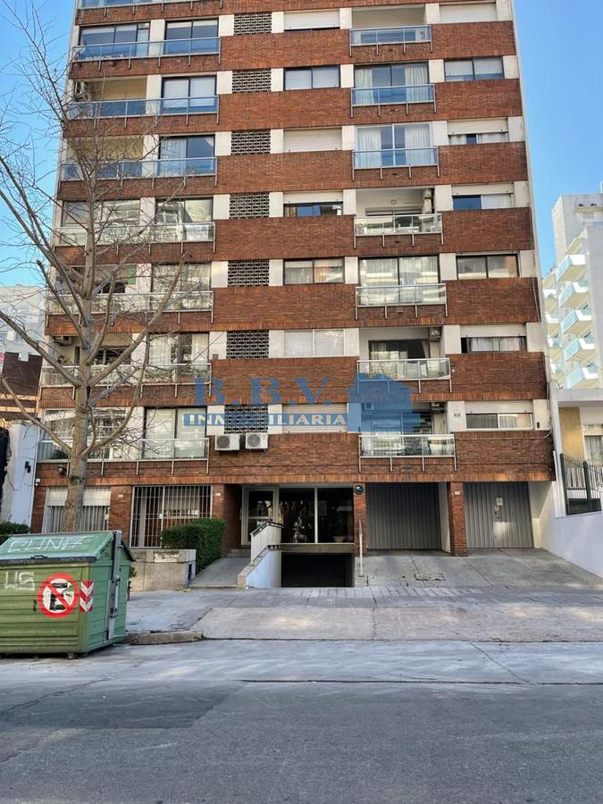 Foto Apartamento en Alquiler en  Pocitos ,  Montevideo  Apartamento 1 dormitorio POCITOS