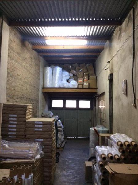 Foto Depósito en Venta | Alquiler en  Turdera,  Lomas De Zamora  ANTARTIDA ARGENTINA al 400