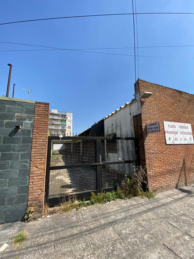 Foto Terreno en Venta en  Moron ,  G.B.A. Zona Oeste  Tucumán 936 Morón