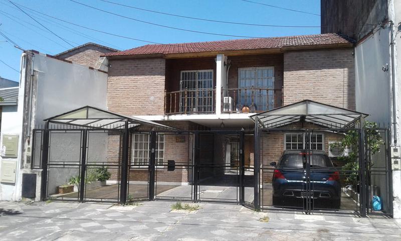 Foto Casa en Alquiler en  Valentin Alsina,  Lanus  TALCAHUANO 2600