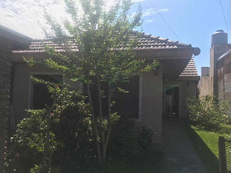Foto Casa en Alquiler en  La Plata ,  G.B.A. Zona Sur  50 entre 122 y 123