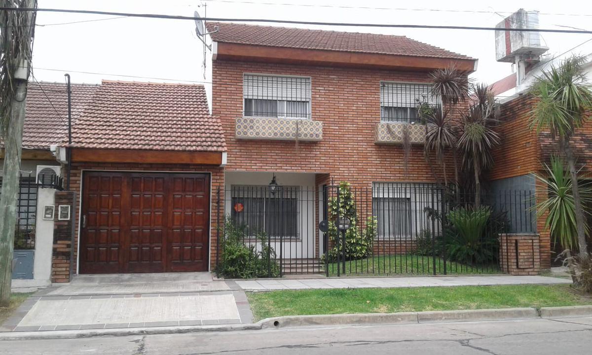 Foto Casa en Venta en Felix Bogado al 3200, G.B.A. Zona Oeste   Moron   Castelar