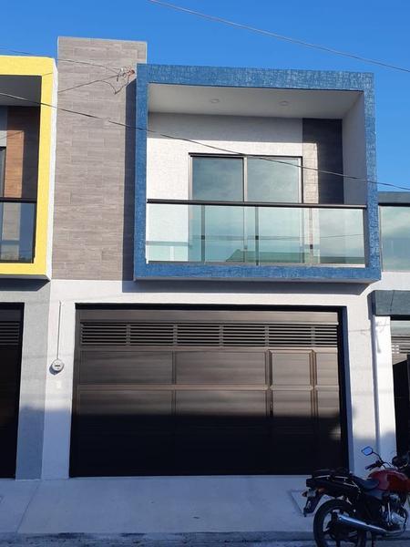 Foto Casa en Venta en  Ejido Primero de Mayo Sur,  Boca del Río  Casa Semi Residencial en Venta en Boca del Río, Ver,