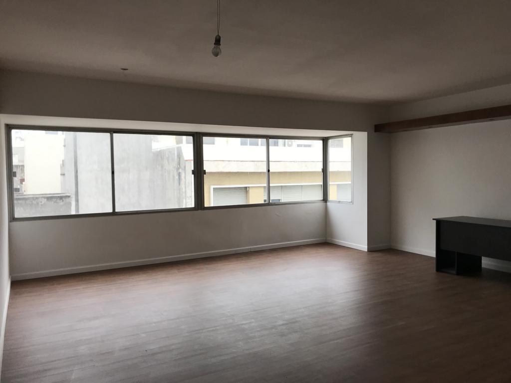 Foto Oficina en Alquiler en  Ciudad Vieja ,  Montevideo  Desde 45m2 a 120m2 a nuevo