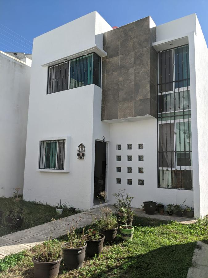 Foto Casa en Venta en  Cozumel ,  Quintana Roo  Casa Enzo, Calle Ixpalbarco entre 175 y Calle  Yucab