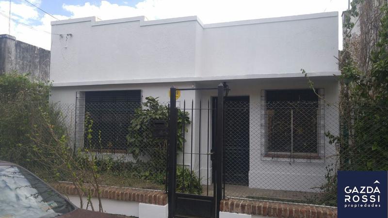 Foto Casa en Venta en  Adrogue,  Almirante Brown  JOSE DE LA PEÑA 771