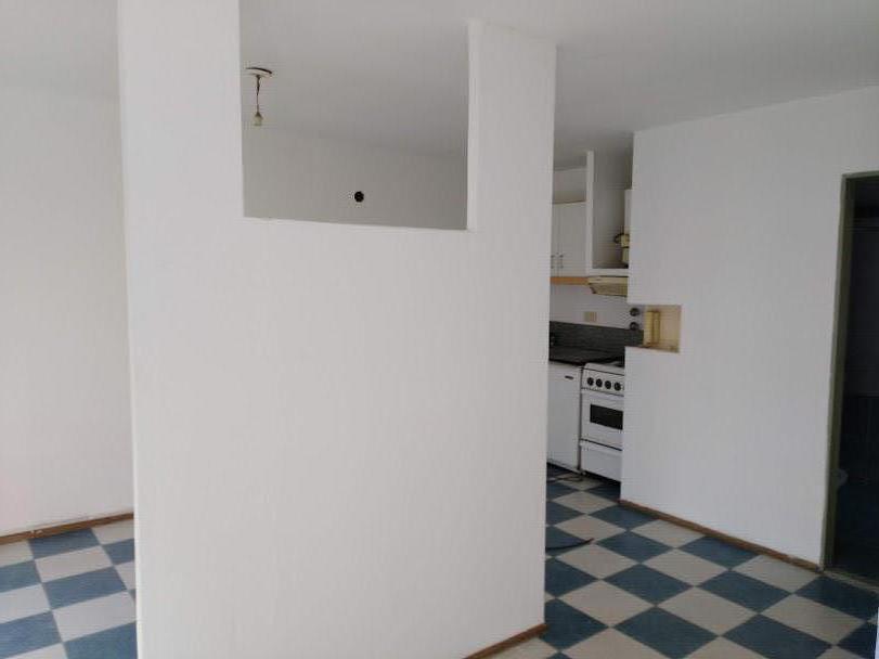 Foto Departamento en Venta en  Centro,  Rosario  Venta - Monoambiente - Pichincha - Brown 1963 - Escalera