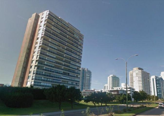 Foto Apartamento en Venta en  Playa Mansa,  Punta del Este  Rbla. Claudio Williman Parada 6 Playa Mansa