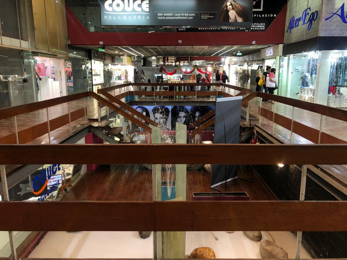 Foto Local en Venta en  Centro,  Cordoba Capital  Galería Vía de la Fontana
