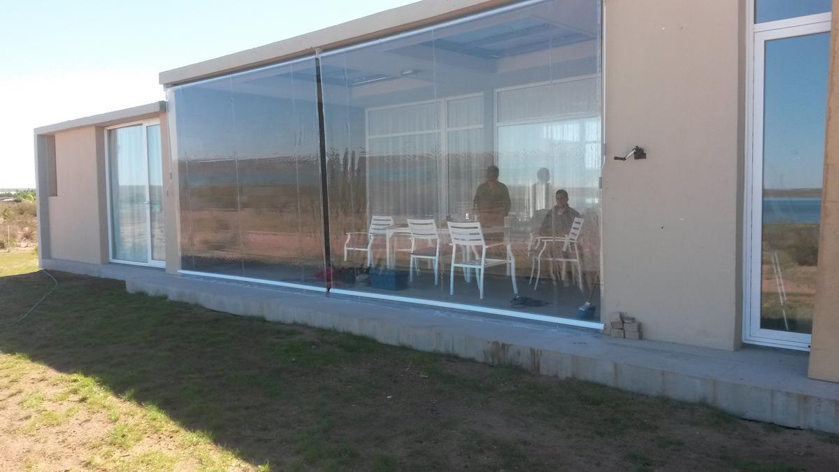 Foto Casa en Venta en  Capital ,  Neuquen  La Peninsula