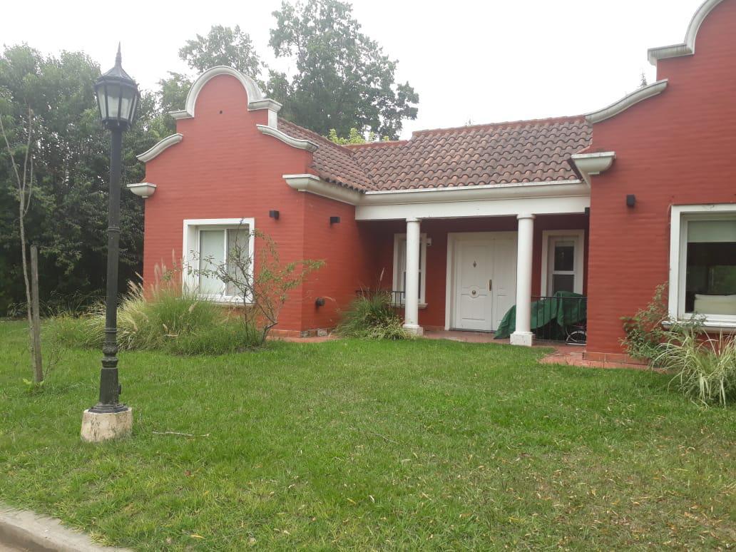 Foto Casa en Venta en  El Resuello,  Countries/B.Cerrado (Moreno)  Padre Fahy al 2400