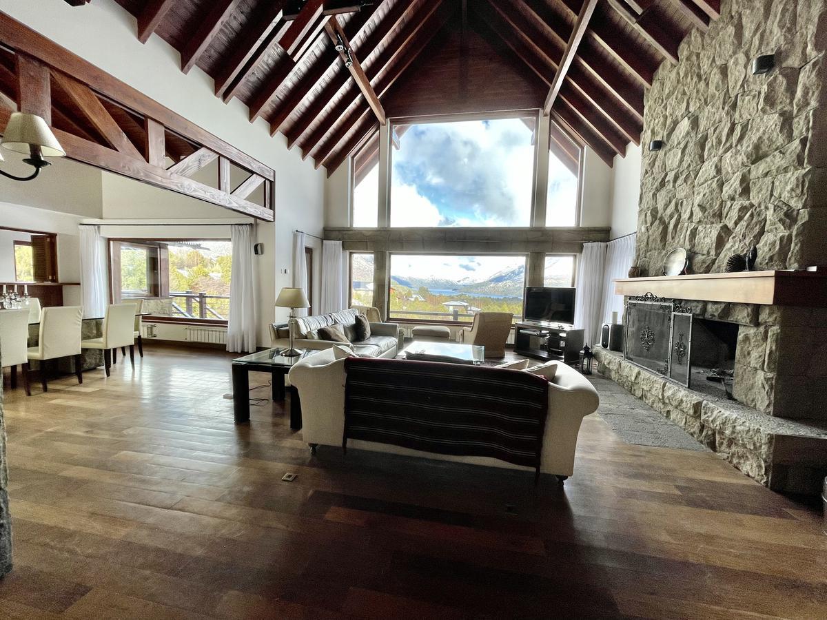Foto Casa en Venta en  Arelauquen,  Bariloche  Arelauquen V4