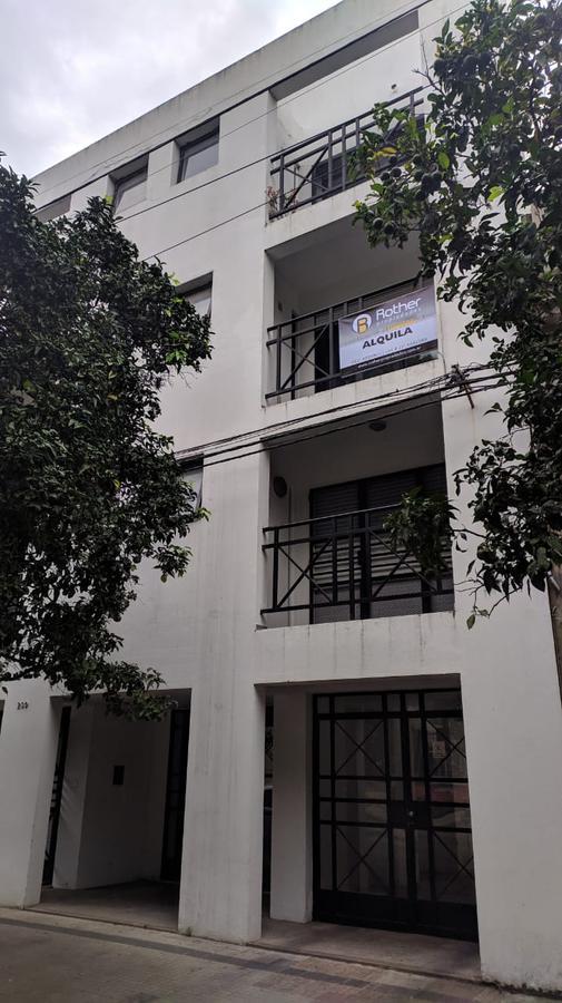 Foto Departamento en Alquiler en  La Plata,  La Plata  47 e/ 115 Y 116 Nº239