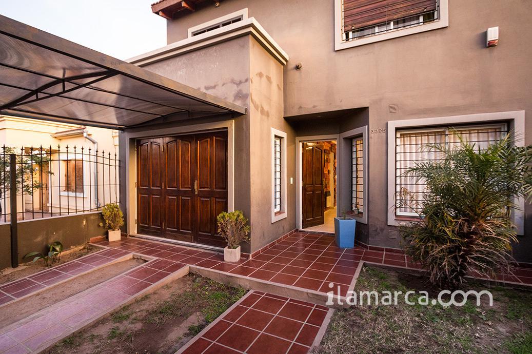 Foto Casa en Venta en  Nuevo Poeta Lugones,  Cordoba Capital  Mujica Lainez al 3200