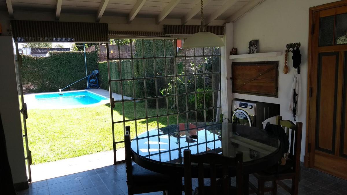 Foto Casa en Venta en  Bella Vista,  San Miguel  LEBENSOHN al 2000