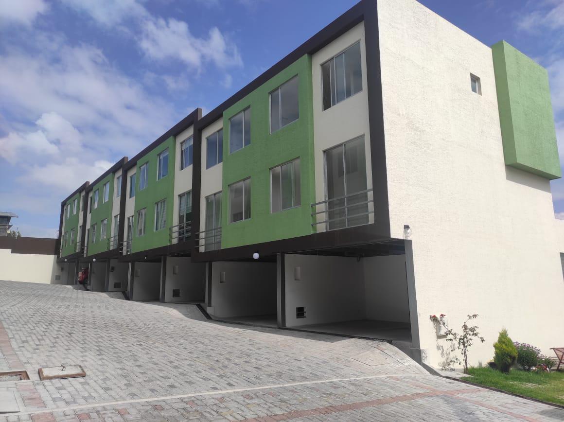 Foto Casa en Venta en  Calderón,  Quito  Casas VIP Calderon