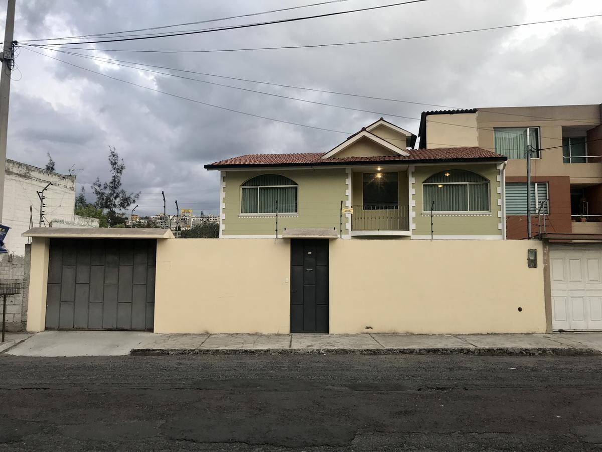 Foto Casa en Venta en  Mitad del Mundo,  Quito          San Gregorio