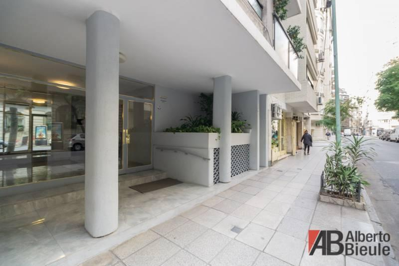Foto Departamento en Venta en  Recoleta ,  Capital Federal  Guido al 1551 piso 4°
