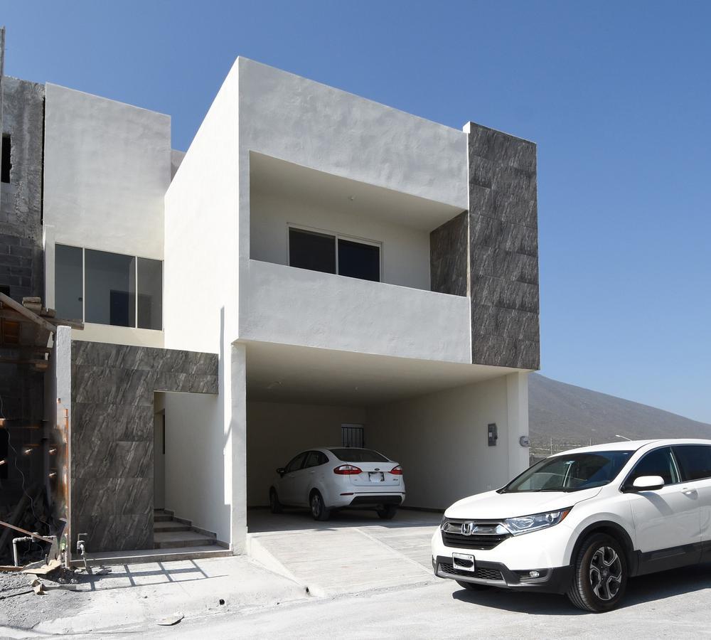 Foto Casa en Venta en  Santoral,  García          Casa en Venta Santoral II Cumbres Dominio