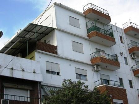 Foto Departamento en Venta en  Esc.-Centro,  Belen De Escobar  Tapia de Cruz 920 3 B