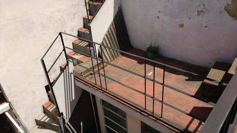 Foto Casa en Venta en  Valentin Alsina,  Lanús  REMEDIOS DE ESCALADA 2600